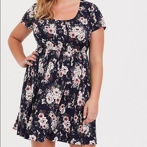 Torrid navy floral pintuck Challis skater dress
